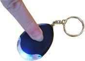 """Брелок для ключей со встроенным фонариком и функцией """"отклика"""", ET-1627A"""
