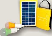 Комплект автономной солнечной системы освещения и 2 светодиодные Led лампы Solar Home System Kit